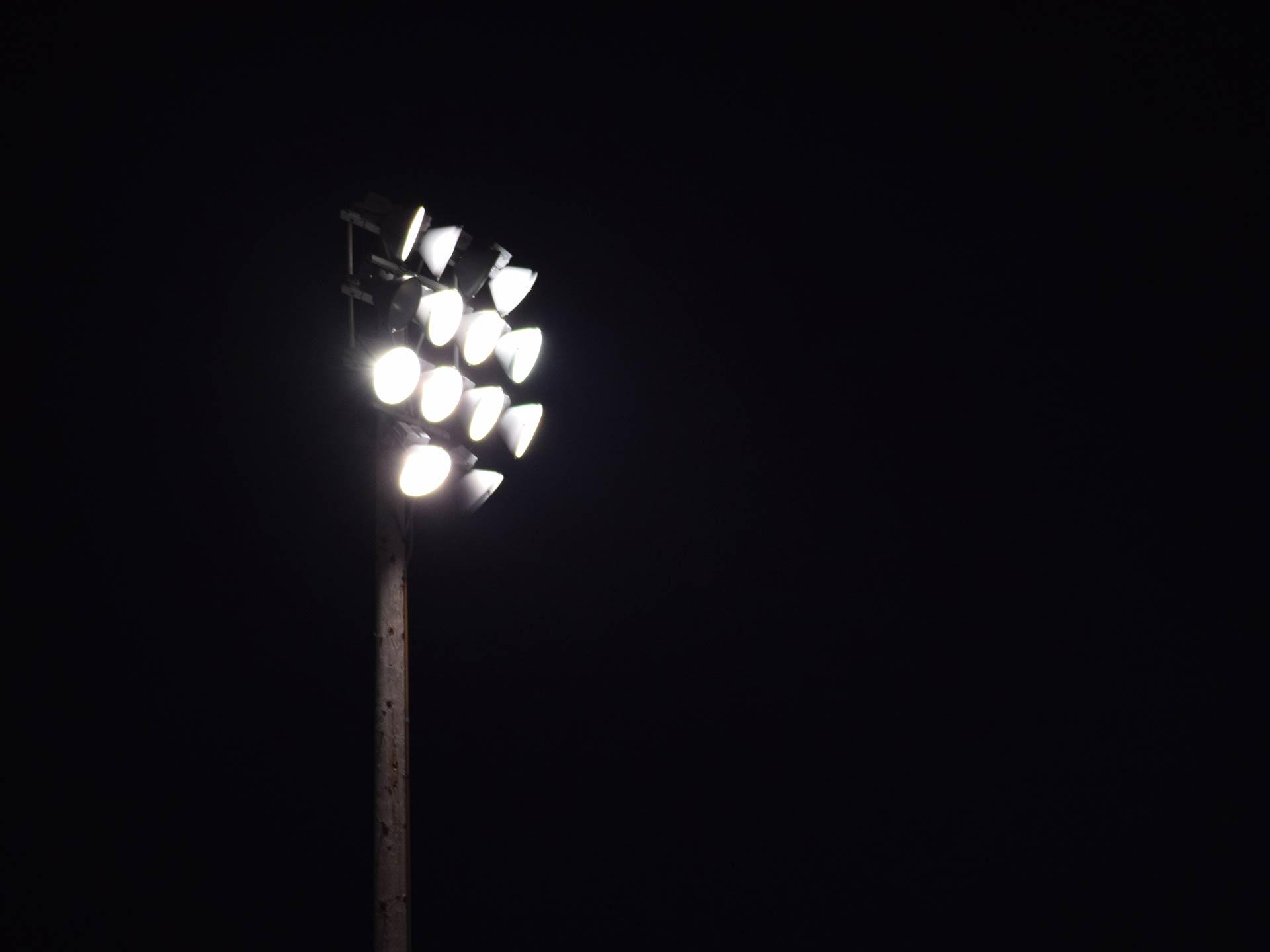 Impianto illuminazione - Noleggiocampi.it